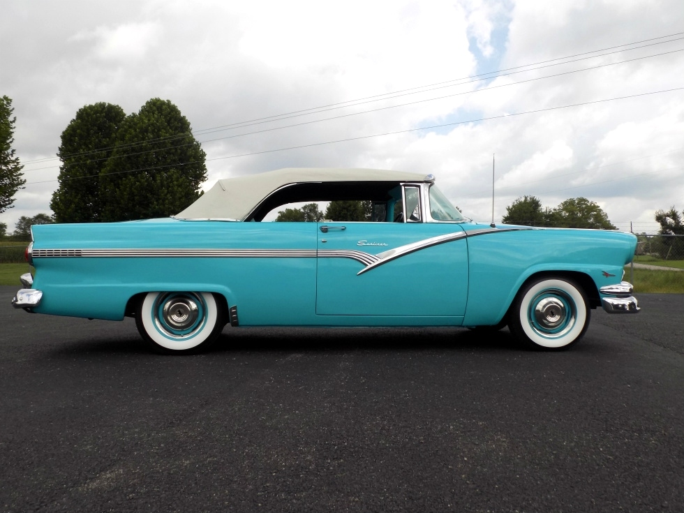 1956 Ford Fairlane Sunliner Martin's Classic Cars